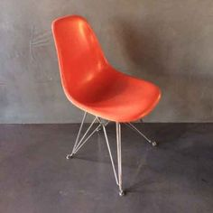 Located using retrostart.com > DSR Dinner Chair by Charles and Ray Eames for Vitra