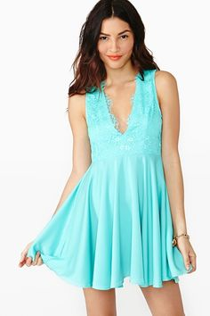 Cute summer dress / Love the color