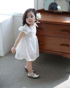 kawaii Bebe 可愛い ღ Cute Asian Babies, Asian Kids, Cute Babies, Korean Baby Girl, Korean Babies, Cute Little Baby, Cute Baby Girl, Toddler Fashion, Kids Fashion