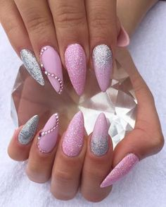 Beth Cook uses Sculpted nails with CND Shellac in Cake Pop & Silver Chrome…