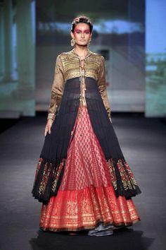 Delhi Couture Week 2012: Anju Modi