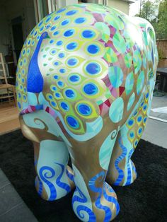 Rebecca Sutherland: The Elephant Parade - Singapore Elephant Parade, Elephant Love, Elephant Art, Elephant Stuff, Elephant Information, All About Elephants, Elephant Pictures, Elephant Figurines, Animal Paintings