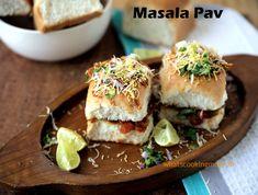 Mumbai Street Food, Thai Street Food, Indian Street Food, Aloo Tikki Recipe, Bhaji Recipe, Green Chutney Recipe, Japanese Street Food, Vegetarian Snacks, India Food