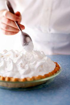 curly-tops-meringue-spoon-2c2d35c3 Meringue Topping Recipe, Baked Meringue, Meringue Pie, Pastry Recipes, Cake Recipes, Dessert Recipes, Frosting Recipes, Bread Recipes, Fruit Crisp Recipe