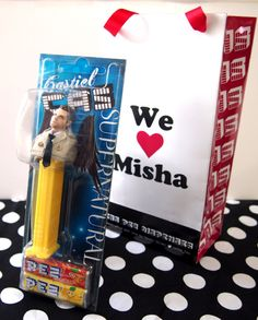 I handcrafted the Cas PEZ! I presented theCas PEZ to Misha at HollyCon. (Hollywood Collectors' Convention on December 29, 2014 in Osaka, Japan.)