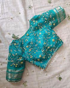 Blouse Back Neck Designs, Hand Work Blouse Design, Simple Blouse Designs, Stylish Blouse Design, Blouse Neck, Pattu Saree Blouse Designs, Blouse Designs Silk, Bridal Blouse Designs, Blouse Patterns