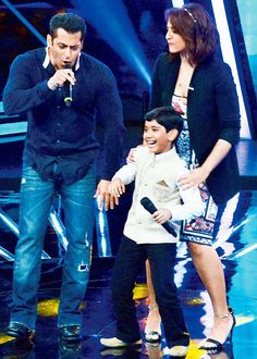 Salman Khan Charms Everyone On Indian Idol Junior