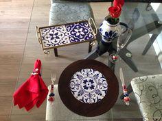 Inspiração navy nesta linda mesa posta, com bandeja e sousplat by MiLuz artes & mimos.
