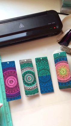 Protecting my mandala bookmark (all available in my Etsy shop ) Mandala Book, Mandala Art Lesson, Mandala Artwork, Creative Bookmarks, Diy Bookmarks, Bookmark Ideas, Doodle Art Drawing, Mandala Drawing, Zantangle Art