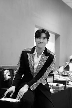 Super Junior, Choi Siwon, Leeteuk, Heechul, Korean Music, Korean Drama, Seoul, Last Man Standing, Instyle Magazine