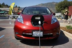 Nissan will offer free charging to new Leaf electric car buyers