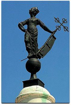 Giraldilla. Cuba, Statue Of Liberty, Tattoos, Saint Christopher, Havana, Antique Photos, Strength, Castles, Museums