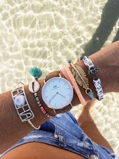 I have to say, today was a good wrist day. And I like to fully document good wrist days. To say thanks. Left to right: Aloha Bangle: Island Jewelry // Stretchie: A. Wattz // Watch : Daniel Wellington (15% off with code: goldfishkiss …high five.) // Neon beads: La Luna Rose : Feather: Pura Vida // Beach bum: From my BFF's shop, A. Sweet.). And might as well put a link to my shorts, because I live in them. Now. To take this all off and go for a swim…. Yeah for forearm TLC.
