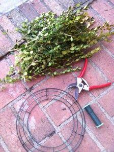 How to make a homemade Christmas wreath