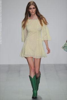 Felder Felder (Spring-Summer 2015) R-T-W Collection at London Fashion Week  #BriaCondon #CassieGardner #CharlotteCoquelin #DanielaAciu #DoraStastna #EveDelf #FelderFelder #IsabelScholten #KrissBarupa #LeahdeWavrin #London #RamonaChmura #TajaFeistner See full set - http://celebsvenue.com/felder-felder-spring-summer-2015-r-t-w-collection-at-london-fashion-week/