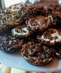 Essential Recipe Triple Seed Cookies | Meatland