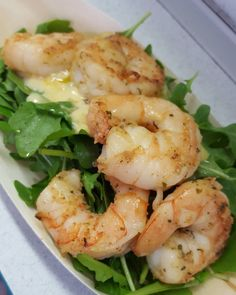 There's a small wine festival 5 minutes from my place. My wife brought me those scampi with alioli and arugula. Very tasty  #teambbqwarriors #protein #healthy #scampi #gambas #eatclean #cleaneating #foodporn #alioli #garlic #nutrition #health #lowcarb #fitlife #healthyeating #healthyfood #healthyliving #sauce #recovery #snack #macros #arugula #salad #homemade #foodie #food #foodgasm #foodporn #fitnesslifestyle