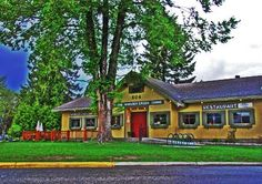 Home: Woolsey Creek Bistro Revelstoke Vegan Curry, Brie, Fine Dining, Mansions, Eat, House Styles, Amazing, Places, Shopping