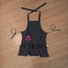 Adorable Apron Polka dots, ruffles and a cute pink bow make this apron so cute! Makeup