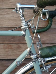 The chrome lugs and fork crown on this Toei are perfect. Real Steel, Steel Art, Bike Handlebars, Bicycle Parts, Vintage Bicycles, Bike Design, Bike Life, Road Bike, Bicycling