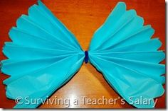 How to Make Your Own Truffula Trees Tutorial for Dr. Seuss Decorations Make Your Own Truffula Trees Tutorial from Dr. Seuss The Lorax Dr Seuss Trees, Lorax Trees, Truffula Trees, Pre K Graduation, Kindergarten Graduation, Graduation Ideas, The Lorax, Preschool Classroom, Classroom Themes