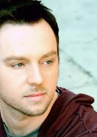 Darren Hayes (May 8, 1972) Australian singer, known from the duo Savage Garden.