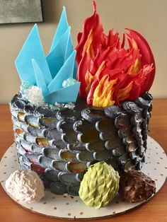 [NO SPOILERS] A Cake of Ice and Fire!! I made this for our watch party tonight