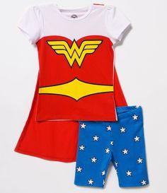 Pijama infantil   Manga curta   Gola redonda   Estampa fantasia Mulher Maravilha   Marca: DC Comisc  Tecido : malha   Composição: 100% algodão     Veja outras opções de    produtos  DC Comisc.
