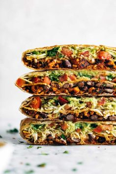 Vegan Crunchwrap Supreme – Pinch of Yum This vegan crunchwrap is INSANE! Stuff this bad boy with whatever you like – I made it with sofritas tofu and cashew queso – and wrap it up, fry, and devour! Favorite vegan recipe to date. Veggie Recipes, Mexican Food Recipes, Whole Food Recipes, Cooking Recipes, Healthy Recipes, Vegan Lunch Recipes, Vegan Lentil Recipes, Easy Cooking, Healthy Tasty Snacks