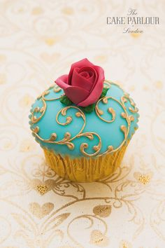 The Cake Parlour offers a variety of cupcakes from delicious and rustic buttercream swirl toppings to smooth fondant coverings with intricate decorations.