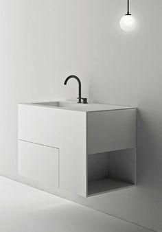"""Meuble """"QuadTwo"""" de Jeffrey Bernett avec des compartiments de rangements équipés de tiroirs en MDF laqué Silcover mat, H 60 x L 90 x P 50 cm. Prix sur demande, Boffi."""