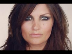 SUPERMODEL SERIES: Helena Christensen Make-up Tutorial