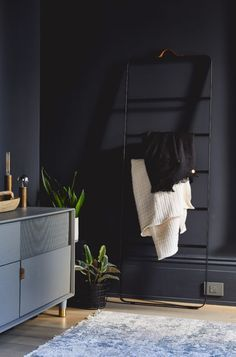 Design Inspiration for the New Year: Dark & Dramatic - Apartment34