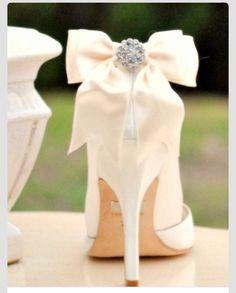 317a19afa5b 15 Best Bridal Shoes on My Feet images | Bridal shoe, Bride shoes ...