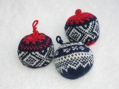 Mariuskuler Knitted Hats, Christmas Ornaments, Knitting, Holiday Decor, Balls, Pattern, Amigurumi, Knit Hats, Xmas Ornaments