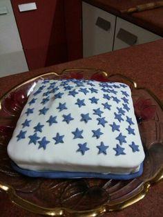 A smile Star theme Fondant cake yummy