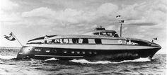 Streamliner yacht