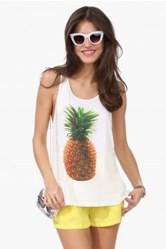 Idky but I love this pineapple shirt lol