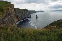 #cliffsofmoher #klippenvonmoher #cliffs #landschaft #landscape #leinwand #BabettsBildergalerie #ireland #irland Cliffs Of Moher, Land Scape, Illustration, Water, Outdoor, Pictures, Printing On Wood, Artist Canvas, Canvas Frame