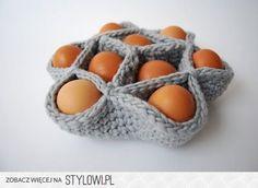 Crochet egg basket (pattern in Dutch) Crochet Gifts, Knit Crochet, Quick Crochet, Free Crochet, Crochet Projects, Diy Projects, Knitting Patterns, Crochet Patterns, Egg Basket