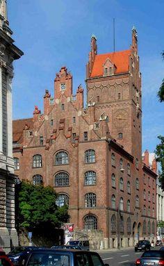 NeuerJustizpalast (Palace of Justice) - Munich, Bavaria, Germany   by Alois Sturm