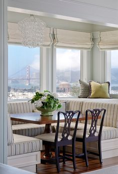 View is pretty good too. Via House of Turquoise: Kendall Wilkinson Sutro ArchitectsAwesome breakfast area. View is pretty good too. Via House of Turquoise: Kendall Wilkinson Sutro Architects House Of Turquoise, Banquette Seating, Booth Seating, Interior Paint Colors, Interior Painting, Painting Doors, Purple Interior, Kitchen Nook, Kitchen Banquette