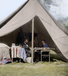 Reunión: El presidente Lincoln con el general 'Little Mac' McClellan en la tienda del general en Antietam