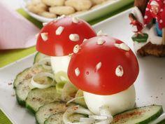 Mushrooms stuffed eggs with tomato Stuffed Mushrooms, Stuffed Eggs, Appetizers, Cooking, Breakfast, Ethnic Recipes, Food Ideas, Party, Stuff Mushrooms