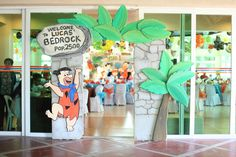 First birthday party with the Flintstones theme Dad Birthday, First Birthday Parties, Birthday Party Themes, First Birthdays, Birthday Ideas, Family Valentines Day, Valentines Day Party, Party Props, Diy Party