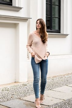 Pink and denim isn't one of the colour combinations I would choose every day. Find out how to combine pink and denim on my blog today.