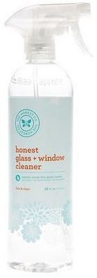 This easy-to-make recipe for green laundry soap allows you to avoid the phenols, phosphates and artificial fragrances that are in commercial laundry products. Commercial Laundry, Organic Cleaning Products, Window Cleaner, Easy Food To Make, Spring Cleaning, Spray Bottle, Cleaning Supplies, Vodka Bottle, Plant Based