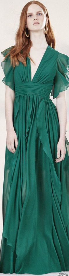 Elie Saab Resort 2016 the colour Elie Saab, Green Fashion, High Fashion, Women's Fashion, Beautiful Gowns, Beautiful Outfits, Gala Dresses, Wedding Dresses, Special Dresses