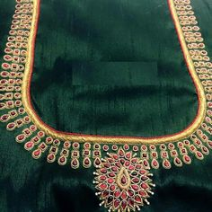 B Aari Embroidery, Embroidery Works, Embroidery Designs, Simple Blouse Designs, Blouse Neck Designs, Mirror Work Blouse, Maggam Work Designs, Maggam Works, Back Neck Designs