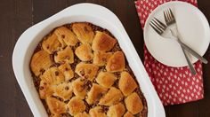This easy pecan pie biscuit bubble-up bake would be great for any brunch gathering. 13 Desserts, Delicious Desserts, Dessert Recipes, Dessert Tarts, Breakfast Dishes, Breakfast Recipes, Brunch Recipes, Breakfast Ideas, Sweet Recipes